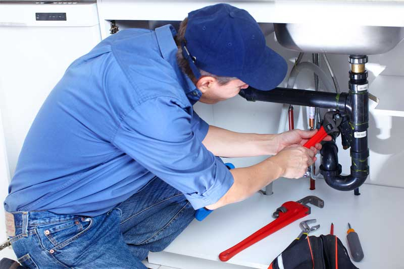 10 Things To Consider When Hiring A Plumber